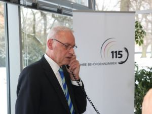 Landrat Bordt-erster offizieller 115-Anruf